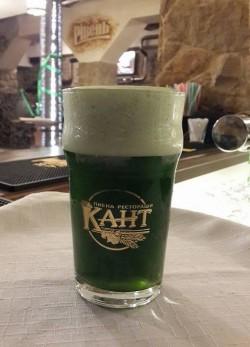 Два сорта зеленого пива из Ровно