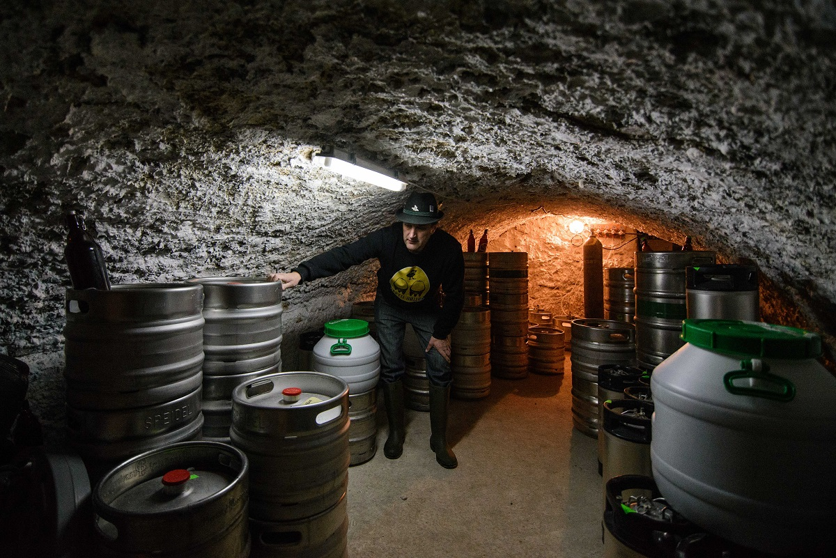 https://beerplace.com.ua/wp-content/uploads/2016/05/Tsypa-Cellar-1