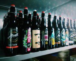 Чешское бутылочное пиво в пабе Мохнатый хмель