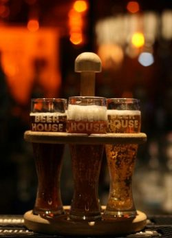 Бельгийский фруктовый ламбик и Поцелуй из Чехии - новые сорта от Arena Beer House