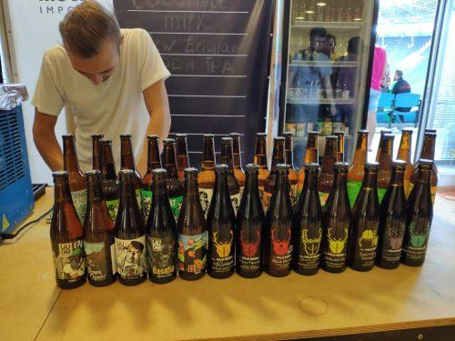 Польское пиво от AleBrowar, британское пиво от Wild Beer и испанское пиво от Laugar в Украине