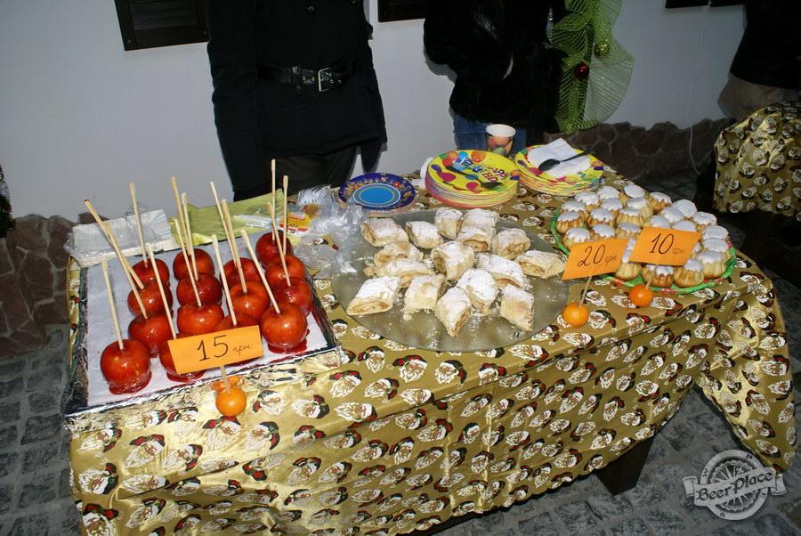 Фоторепортаж. Рождественская ярмарка в музее-ресторане Антверпен. Сладости на столах