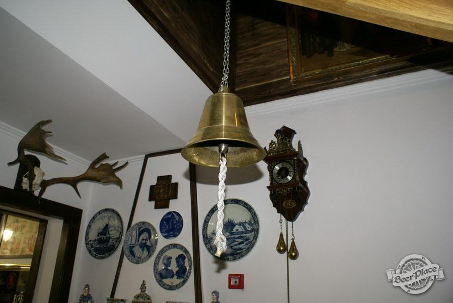 Обзор. Музей-ресторан Антверпен. Колокол