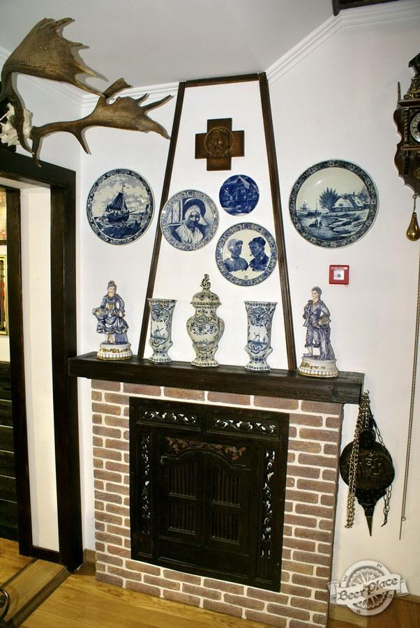 Обзор. Музей-ресторан Антверпен. Камин