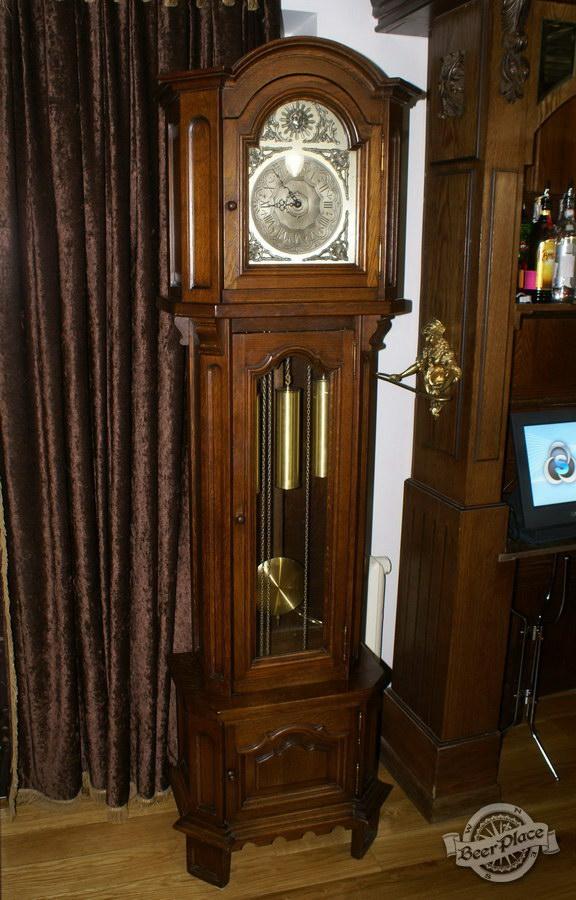 Обзор. Музей-ресторан Антверпен. Напольные часы в немецком зале