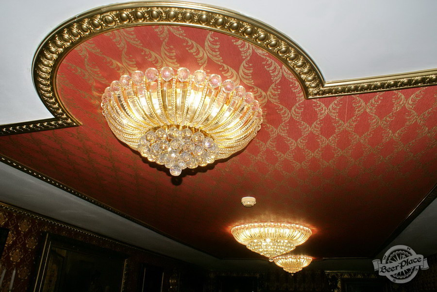 Обзор. Музей-ресторан Антверпен. Люстры во французском зале