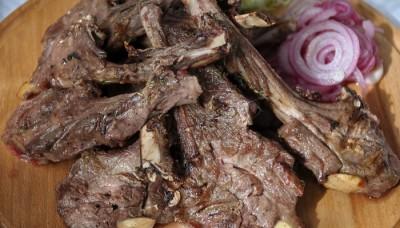 Мясо на гриле в ресторане Барин