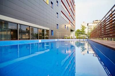 Открытие бассейна в Космополите