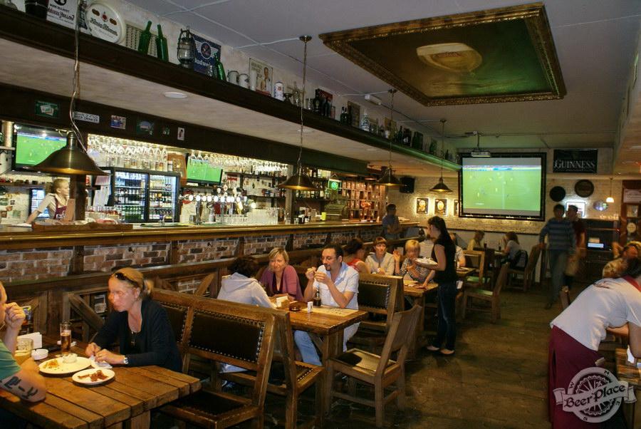 Обзор паба Beer Point  на Подоле. Фото. Первый зал общий вид