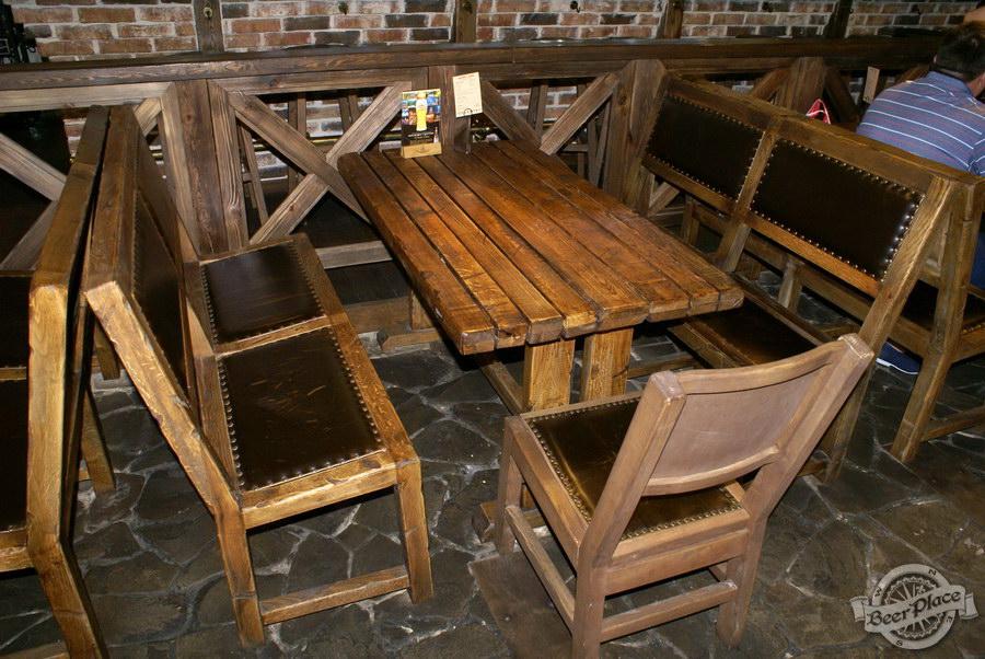 Обзор паба Beer Point  на Подоле. Фото. Столы в первом зале
