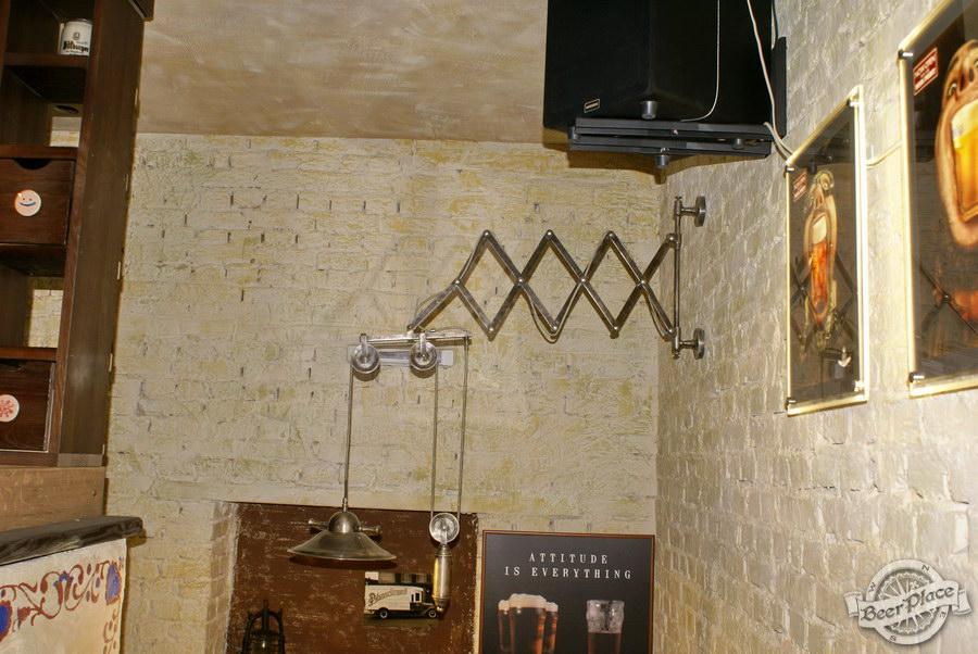 Обзор паба Beer Point  на Подоле. Фото. Лампа