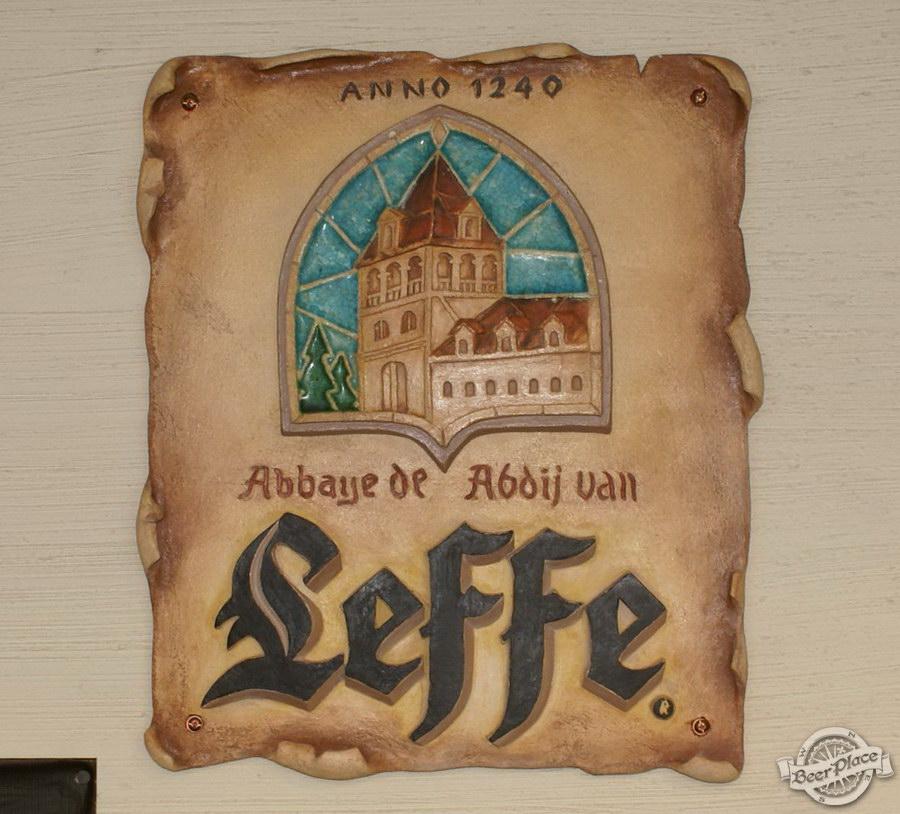 Обзор паба Beer Point  на Подоле. Фото. Постер из обожженной глины