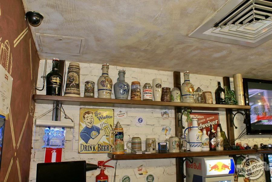 Обзор паба Beer Point  на Подоле. Фото. Оригинальные бутылки и кружки