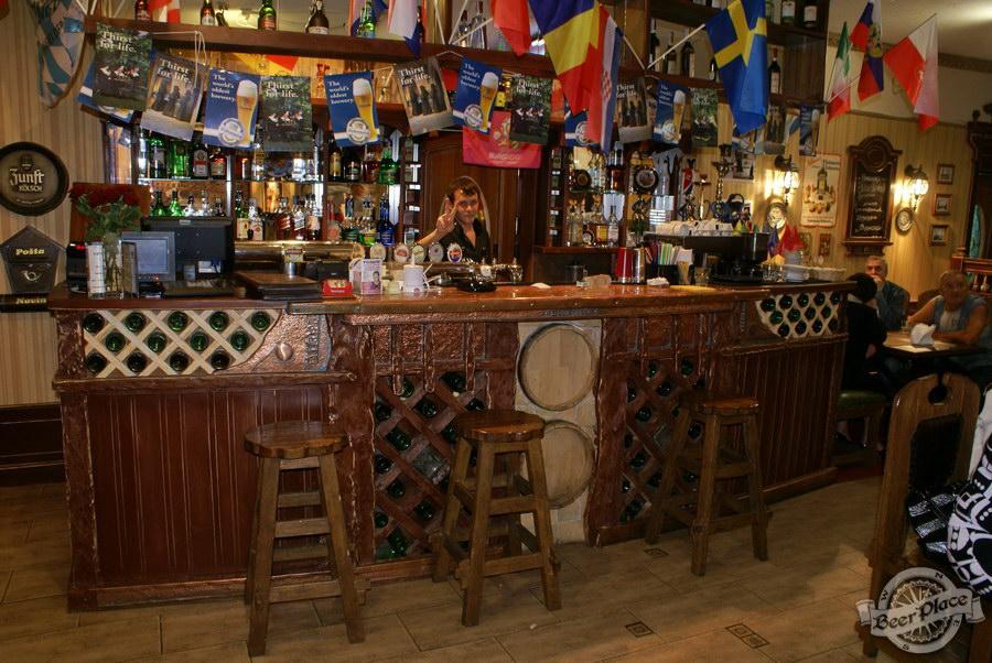 Фотообзор. Паб BeerLand - пивной остров на Виноградаре. Первый зал. Барная стойка