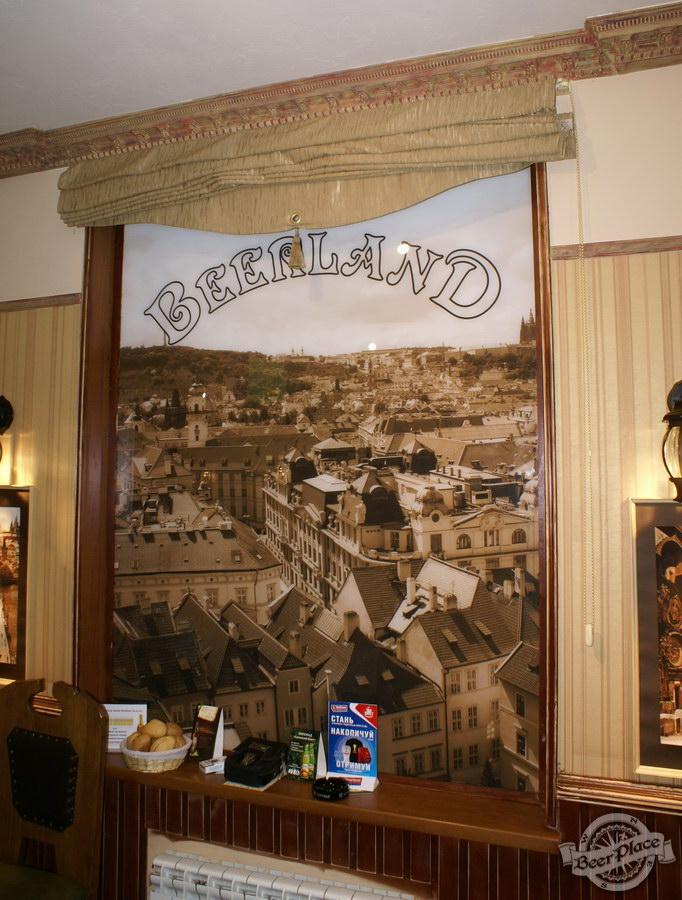 Фотообзор. Паб BeerLand - пивной остров на Виноградаре. Старинные детали интерьера