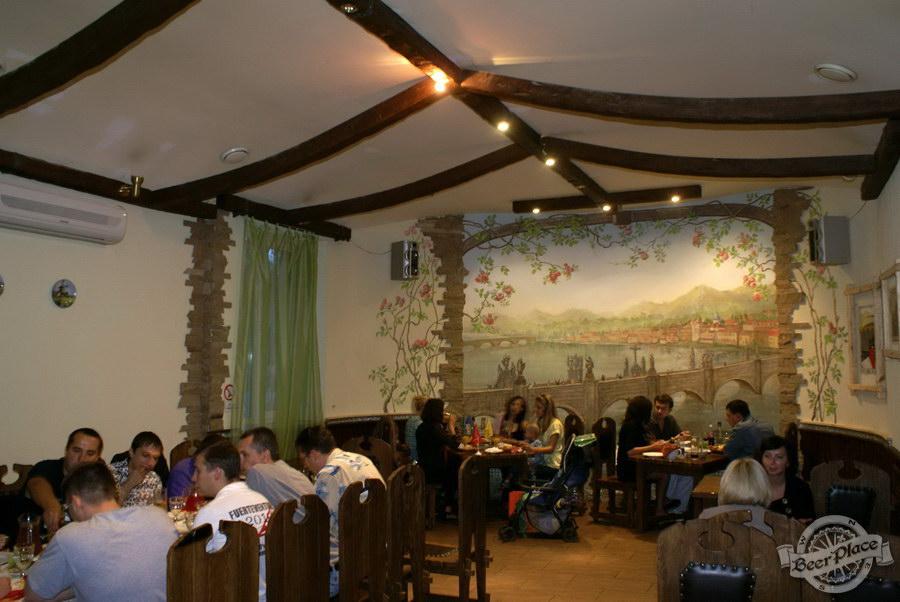Фотообзор. Паб BeerLand - пивной остров на Виноградаре. Второй зал. Общий вид
