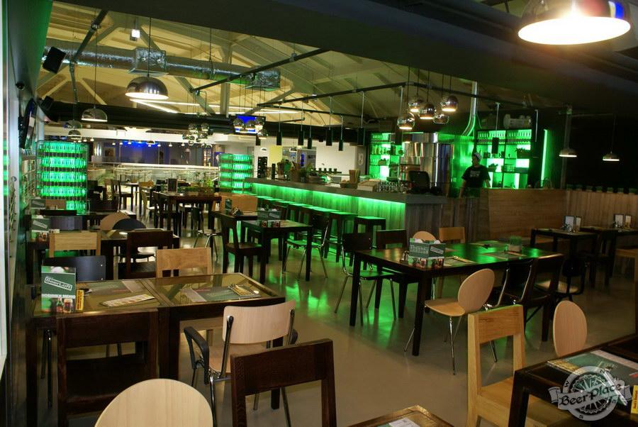 Обзор кафе Becks BeerLoft на Окружной в Ашане. Променада Парк. Итальянский зал. Общий вид