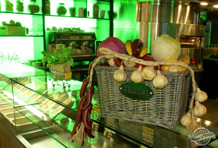 Обзор кафе Becks BeerLoft на Окружной в Ашане. Променада Парк. Итальянский зал. Детали на барной стойке