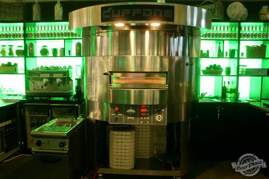 Обзор кафе Becks BeerLoft на Окружной в Ашане. Променада Парк. Итальянский зал. Печь для изготовления пиццы