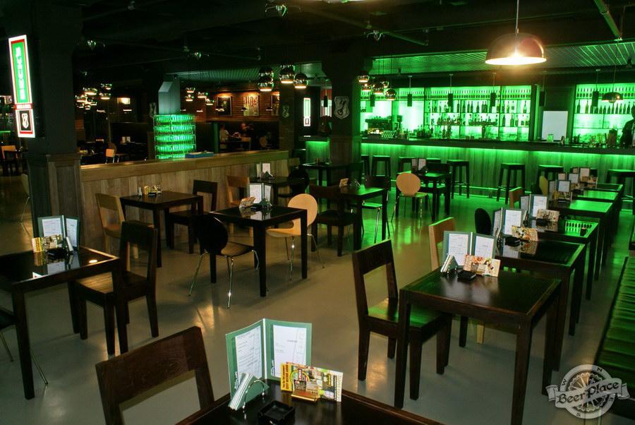Обзор кафе Becks BeerLoft на Окружной в Ашане. Променада Парк. Основной зал. Сити-кафе