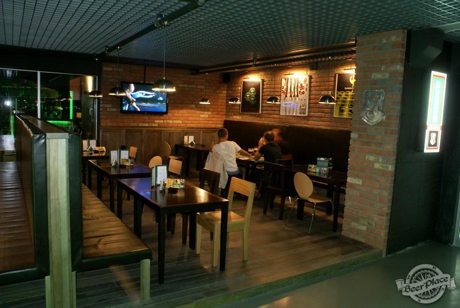 Обзор кафе Becks BeerLoft на Окружной в Ашане. Променада Парк. Основной зал. Паб