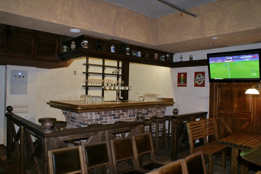 Паб Beer Point на Подоле. Вторая барная стойка