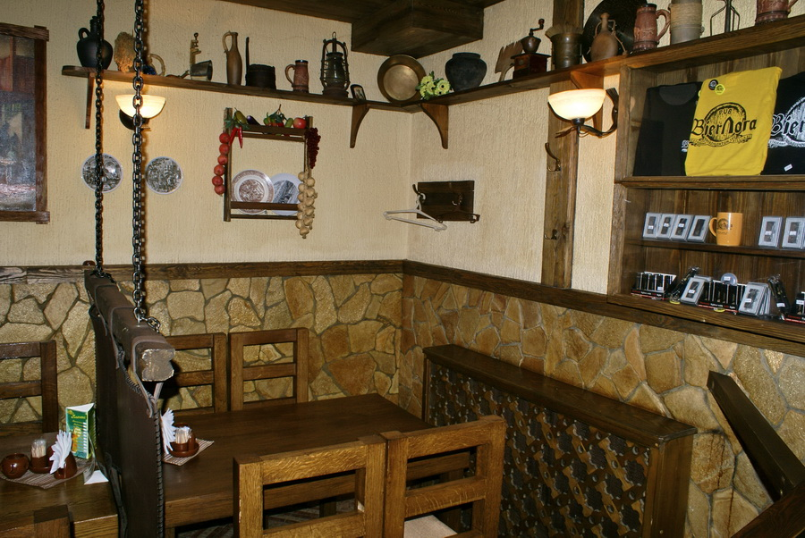 Киев. Паб-ресторан Bierloga / Бирлога. Интерьер