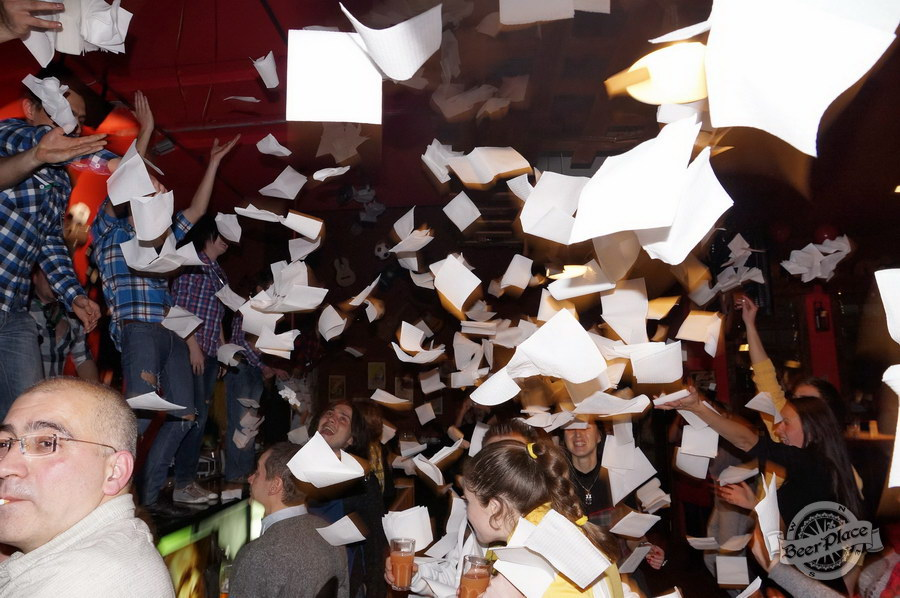 Открытие паба Big Ben в ТРЦ Дрим Таун   Big Ben Pub opening in Dream Town. Шоу официантов