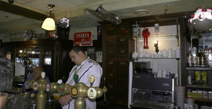 Аэропорт Борисполь. Бельгийское пивное кафе, брассерия Bon Voyage. Барная стойка