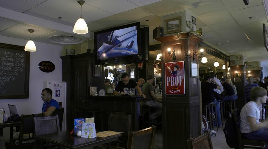 Аэропорт Борисполь. Бельгийское пивное кафе, брассерия Bon Voyage. Интерьер