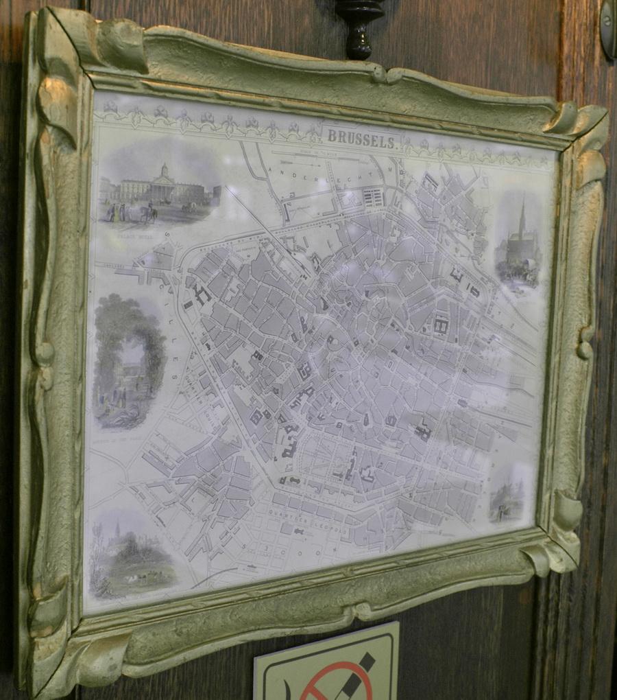Аэропорт Борисполь. Бельгийское пивное кафе, брассерия Bon Voyage. Карта Брюсселя
