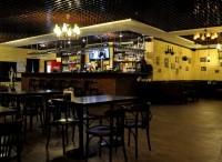 Интерьер Boozer Local Pub в Киеве на Троещине