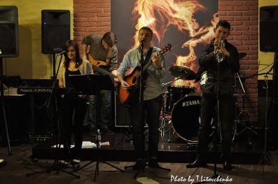 Живая музыка в Boozer Local Pub в Киеве на Троещине