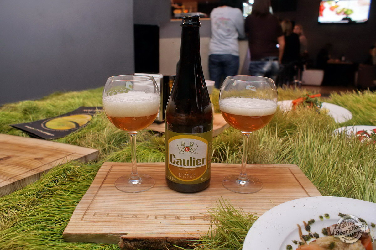Дегустация Caulier Blonde и Chimay Triple в FoodTourist. Caulier Blonde