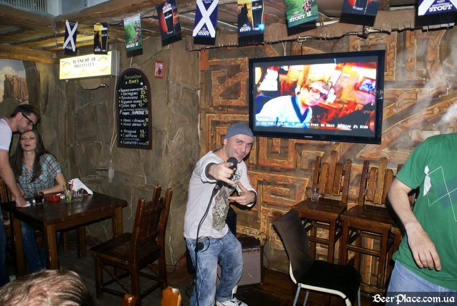 Паб Дороти. Киев. Фото. Leon на сцене
