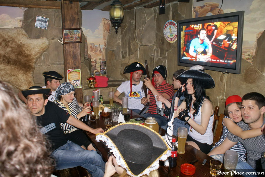 Паб Дороти. Киев. Фото. Пиратская тусовка