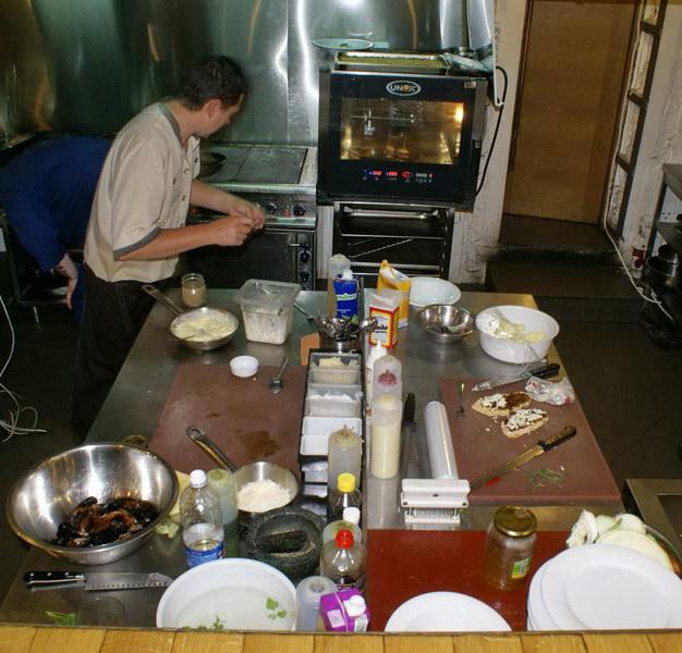 Гастрономический бар Барсук. Фото. Открытая кухня