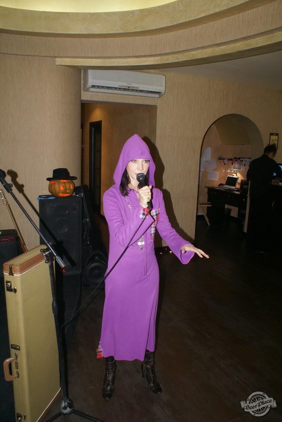 Halloween | Хэллоуин 2011. Паб Рыжая Корова. Женя Чуприна