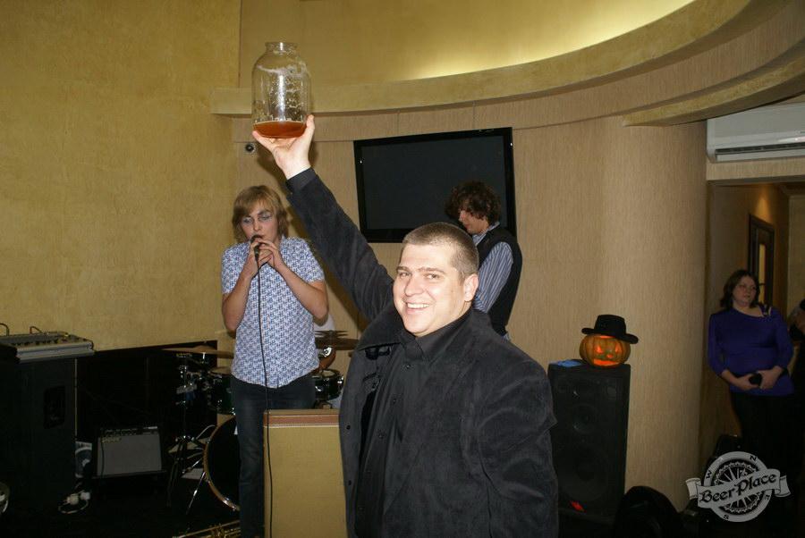 Halloween | Хэллоуин 2011. Паб Рыжая Корова. Жбан пива на шару!