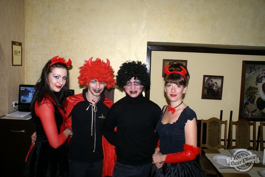 Halloween | Хэллоуин 2011. Паб Рыжая Корова. Персонал