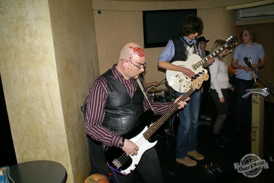 Halloween | Хэллоуин 2011. Паб Рыжая Корова. Мой мозг!!!