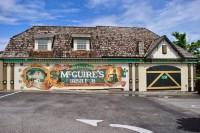 McGuire's Irish Pub - паб с интерьером в миллион долларов