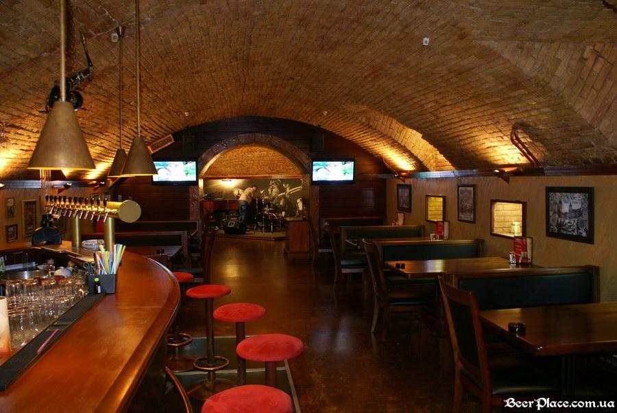 Паб-ресторан Картина Маслом. Киев. Обзор. Фото. Второй зал