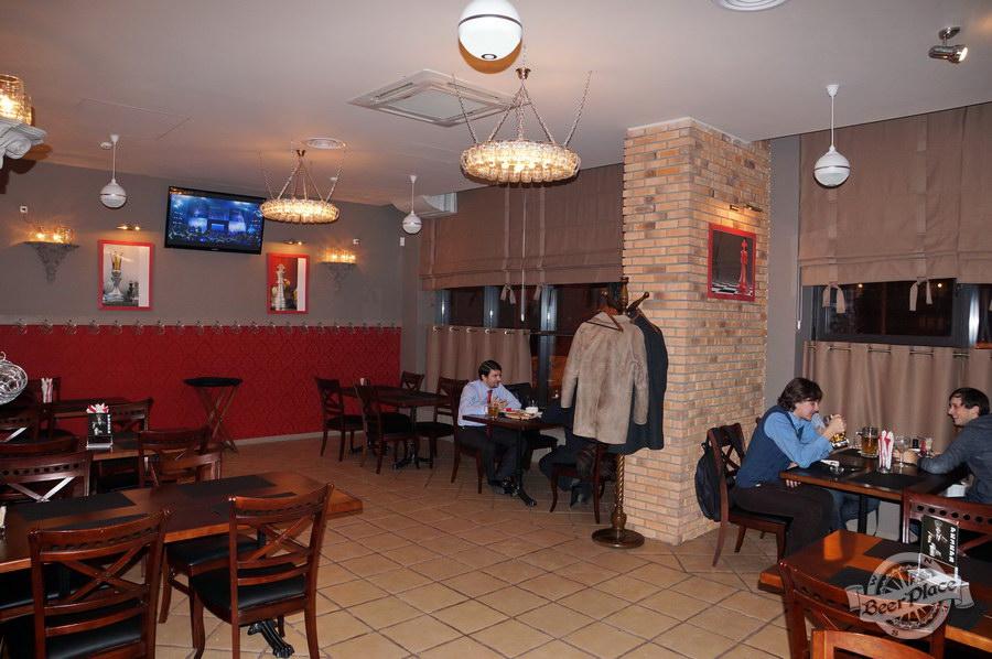 Обзор паба-ресторана Короли Колбас и Пива. Зал для некурящих