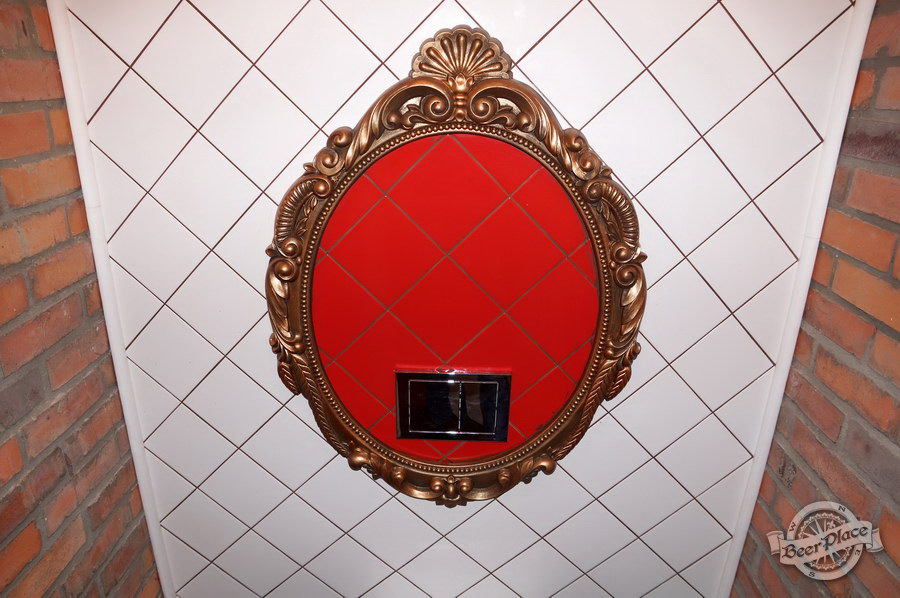 Обзор паба-ресторана Короли Колбас и Пива. Королевский туалет