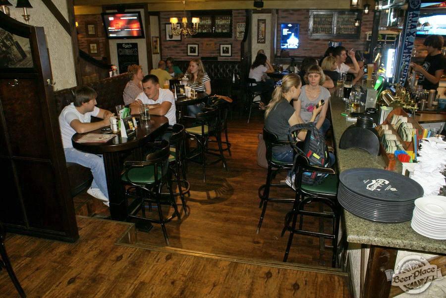 Обзор Лаки Паб | Lucky Pub. Фото. Первый зал. Барная стойка