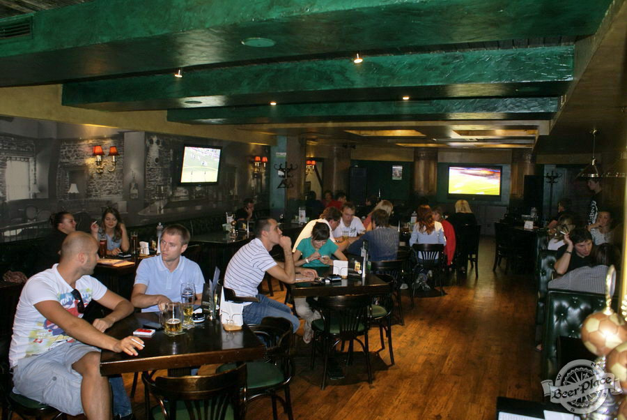 Обзор Лаки Паб | Lucky Pub. Фото. Второй зал. Общий вид от барной стойки