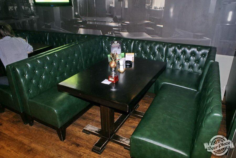 Обзор Лаки Паб | Lucky Pub. Фото. Второй зал. Столы с правой стороны от входа