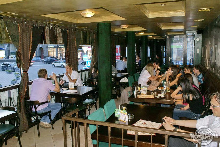 Обзор Лаки Паб | Lucky Pub. Фото. Второй этаж. Вид с лестницы
