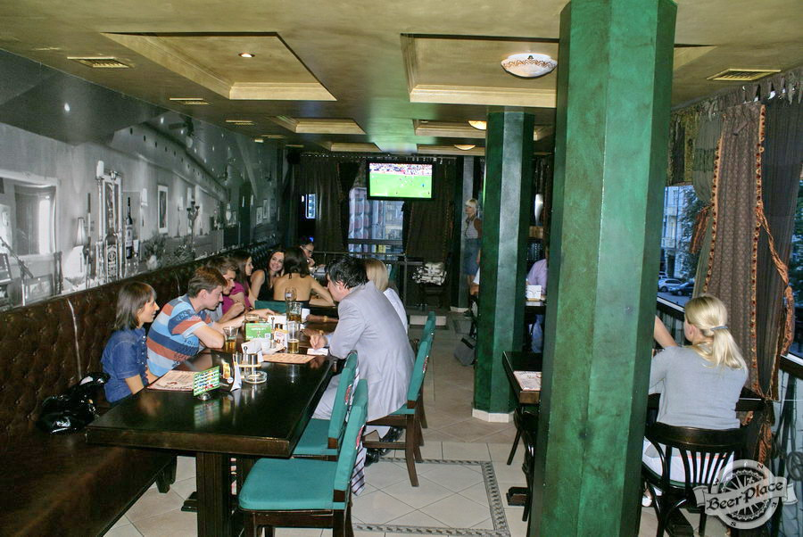 Обзор Лаки Паб | Lucky Pub. Фото. Второй этаж. Вид с конца зала